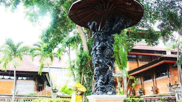 Seized Kumbakarna Statue