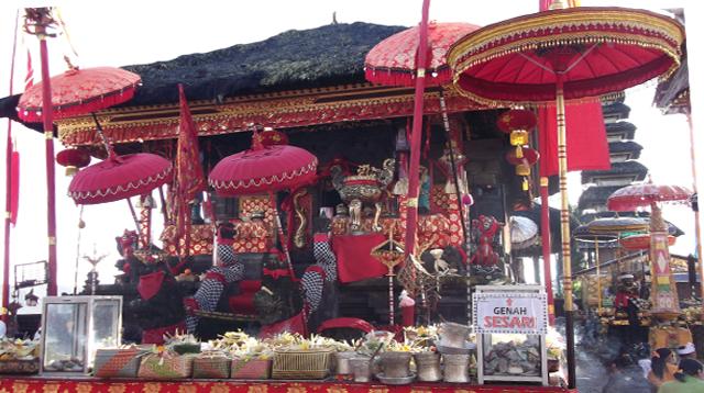Chinese shrine at Batur Temple