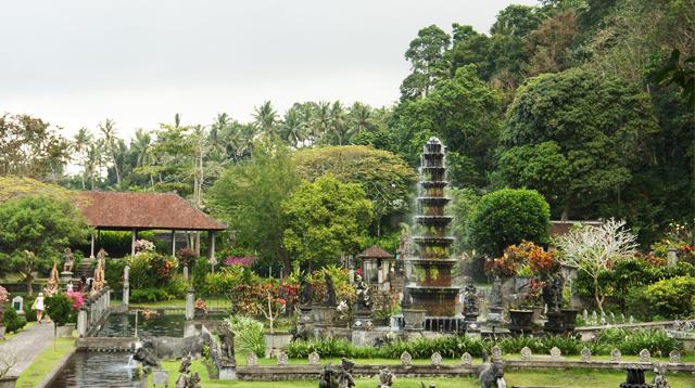 Tirtagangga waterpark, Bali